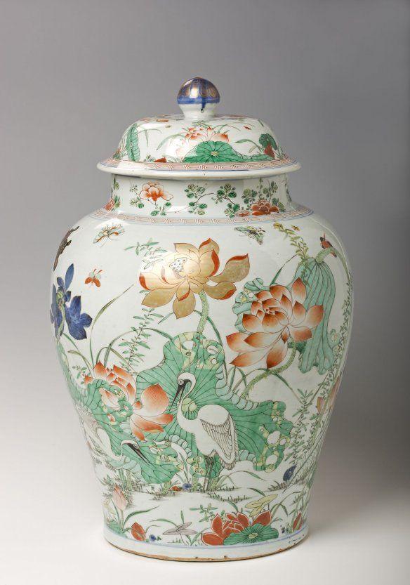 Famille Verte (Susancai) Porcelain Covered Jar, Qing ...