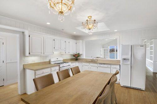 Christie Brinkley's Parents' Sag Harbor Village Waterfront Cottage for $2.8M…
