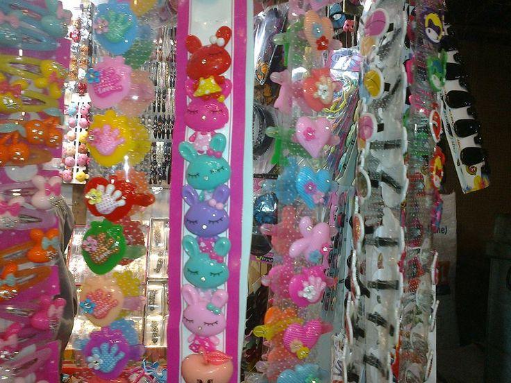 Hair Pins, Market, Kolkata