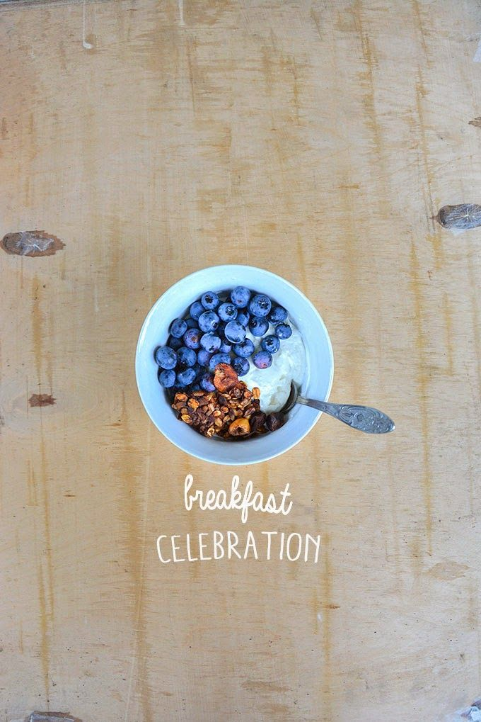 I try to always have time to celebrate breakfast.  One of my favourite one is definitely 3 ingredients mix:  vanilla/plain yogurt homemade cinnamon granola blue berries (this time from my own garden!)