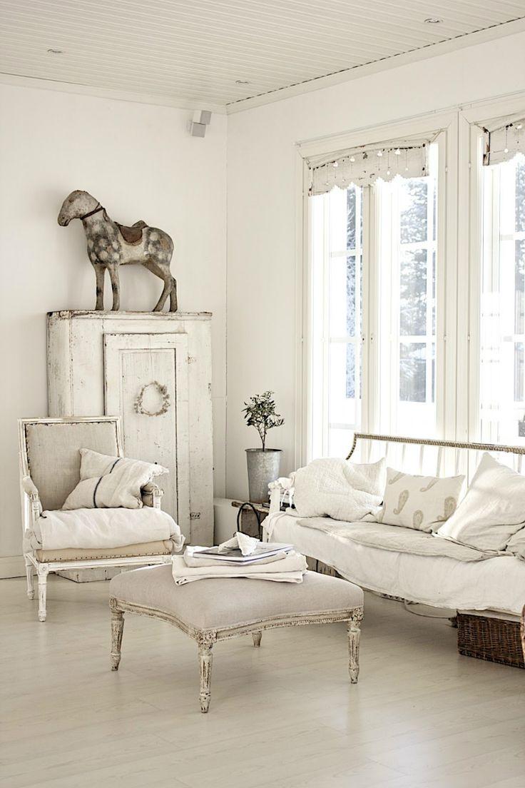 Die 211 Besten Bilder Zu White Interior Auf Pinterest | Shabby ... Shabby Chic Mobel Eine Idee Fur Ferienhaus Mit Rustikalen Akzenten