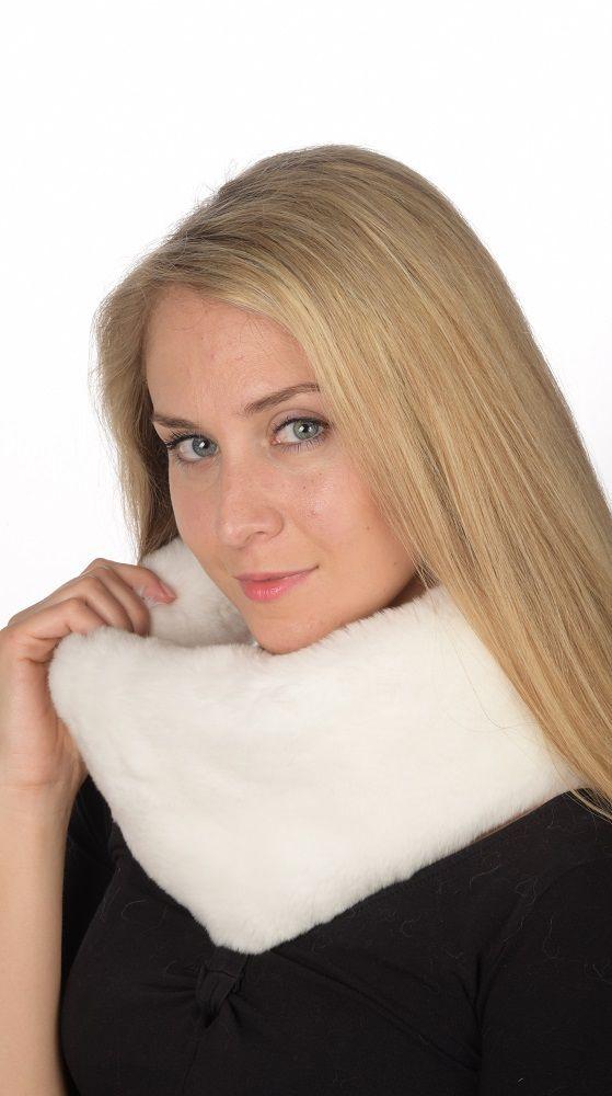 Soffice scaldacollo in pelliccia in rex bianco naturale. Ideale per le spose d'inverno.  www.amifur.it