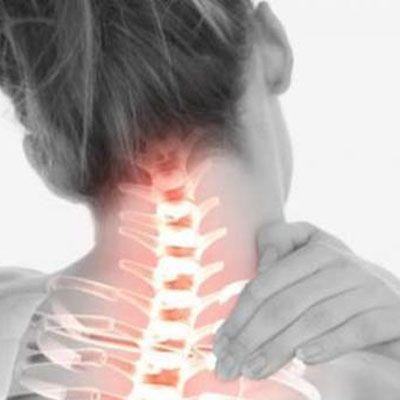 Bahaya Gerakan Leher Berlebihan : kelumpuhan seluruh alat gerak (tangan dan kaki), mengalami gangguan berkemih dan buang air,tidak dapat bernafas secara spontan