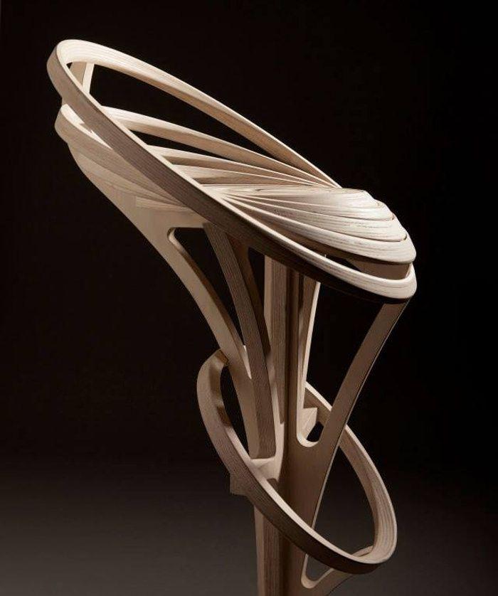 / Tabouret design spirale de bois par Estampille 52
