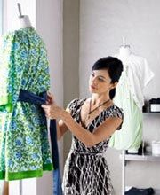 Description of Fashion Merchandising Jobs...  Find out what a fashion merchandiser really does in a day's work.