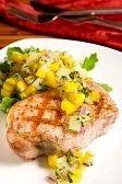 Basilic et framboises: Côtelettes de porc sauce à l'ananas