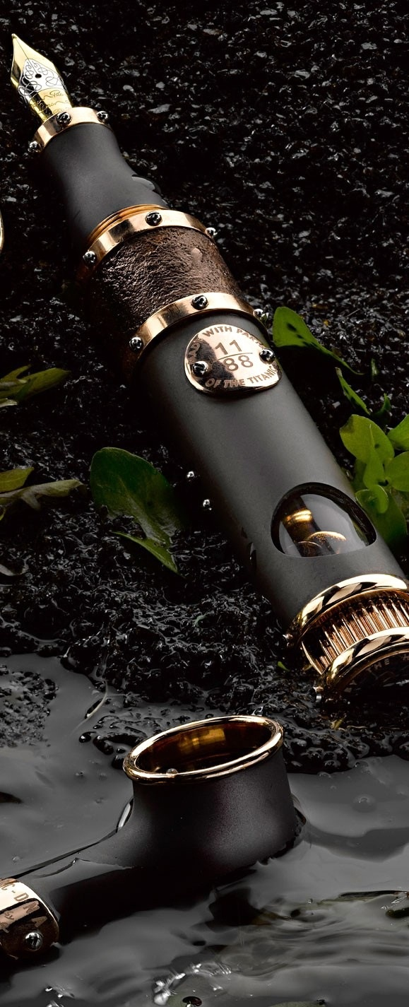 titanic - DNA fountain pens from romain jerome