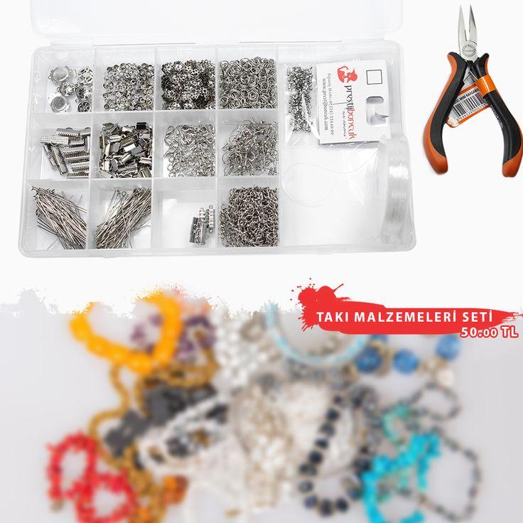 Takı Malzemeleri seti :25 çift küpe klipsi,0.6 mm lastikli misina,6 mm 25 gram halka, 10 gram düğüm kapama, 50 adet papağan klips, 4 adet mıknatıslı klips, 4x12mm boyutunda 15 gram deri kapama, Halka boyu yaklaşık 7 mm olan 1 metre ,uzunluğunda iki adet zincir, 4,5cm boyunda 15 gram takı çivisi, 4,5cm boyunda 10 gram halkalı çivi,10 mm boyunda 4 adet ,16mm boyunda 4 adet, 20mm boyunda 4 adet kurdele kapama, 10 Gram kapak kapama, 6 adet 2 farklı çeşitte takı klipsi,1 adet karga burnu,2,5 gram…