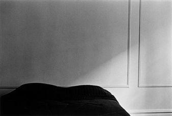 Eva Rubinstein, (Lit Sombre) Dark Bed New York,1980