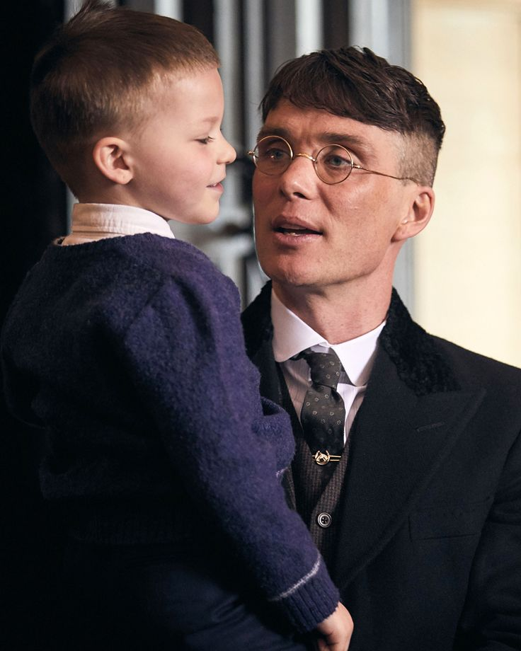 Father & son. Two new cuddly S4E1 stills by @robertviglasky (follow him for more). · Peaky Blinders S4 starts on BBC Two on Wednesday, November 15th, 9PM. It will air on Netflix after, but the exact date has not yet been announced. · #cillianmurphy #peakyblinders #tommyshelby