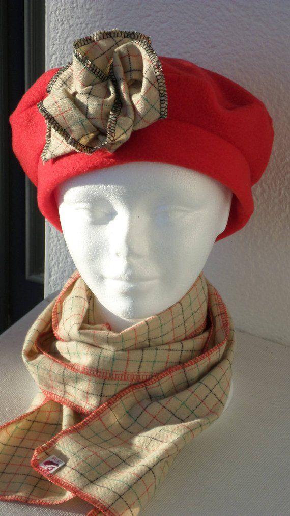 ensemble femme turban bonnet béret chapeau écharpe snood  créateur  lin eva pour femme  en polaire et laine rouge et beige collection hiver e977eb699b9