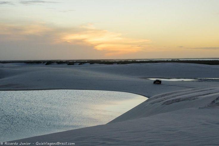 Fim de tarde em Santo Amaro do Maranhão. Saiba mais >>> http://www.guiaviagensbrasil.com/ma/o-que-fazer-nos-lencois-maranhenses/