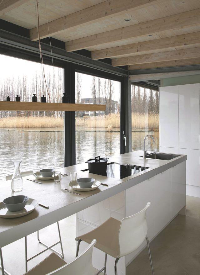 Péniche Design Près De Berlin Aménagée En Maison T H I N G S