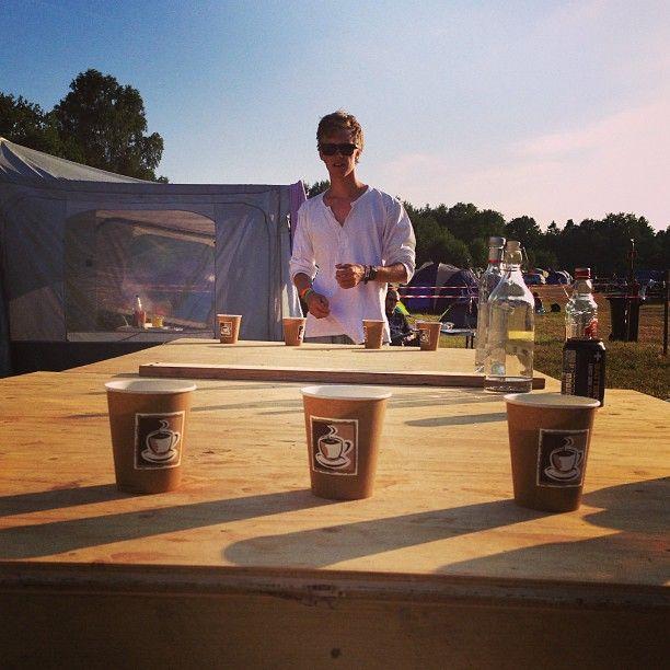 Jaaada! Beerbong!!! #stavernfestivalen  #festival #øl #sprit #sprit #baqardi #hjemmebrent .... - @stianengum- #webstagram