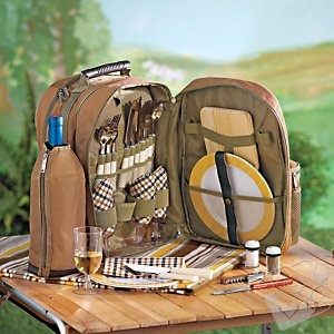 #WineEnthusiast Wine Picnic Backpack Set for Four #wineenthusiast