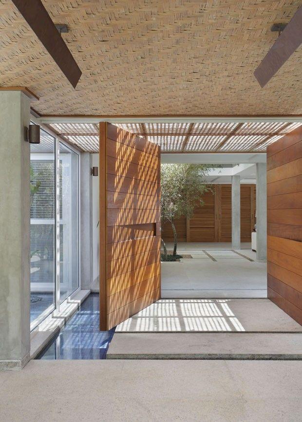 Casa no Joá, Rio de Janeiro | por Miguel Pinto Guimarães Arquitetos Associados