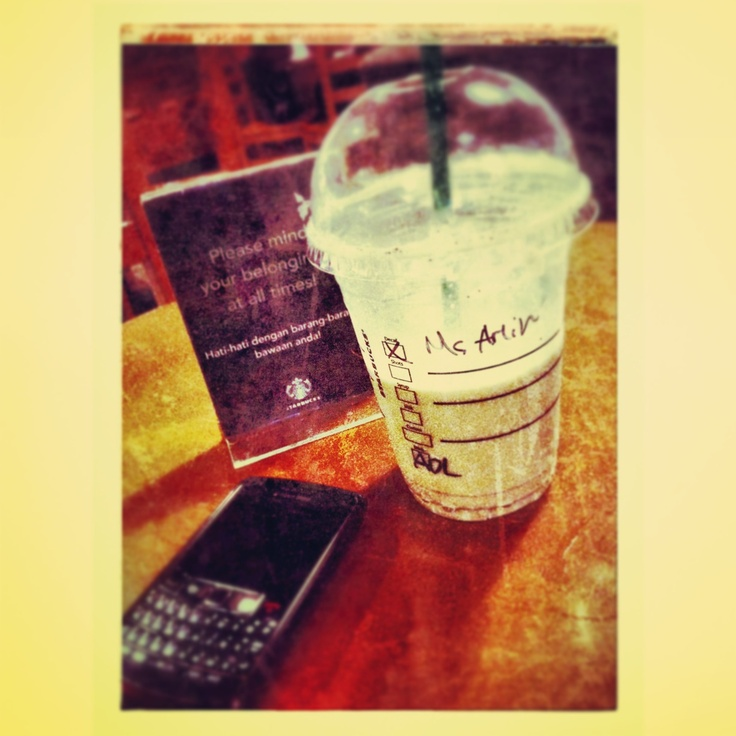 Frapucino java chip + blackberry + iphone #quality time