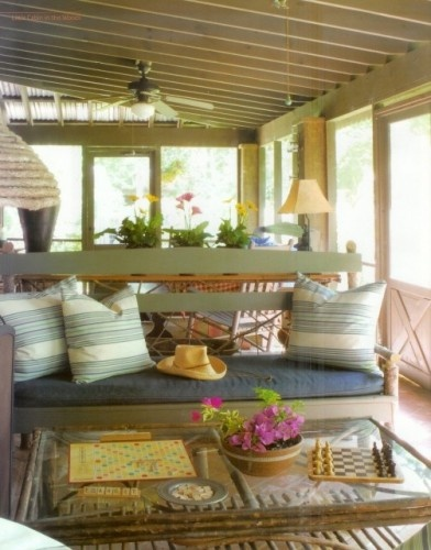 Love the bench!: Ideas, Screens Porches, Benches, Enclo Porches, Boards Games, Porches Furniture, Naps Time, Furniture Placements, Sunroom