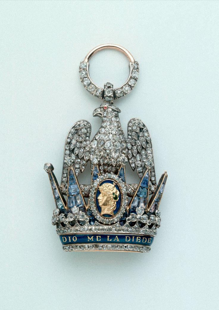 Insigne de dignitaire de l'ordre de la Couronne de Fer de Napoléon Ier Collection du musée de l'Armée © Paris - Musée de l'Armée/Dignitary insignia of the Order of the Iron Crown of Napoleon I. Collection of the Museum of Paris © Army - Army Museum