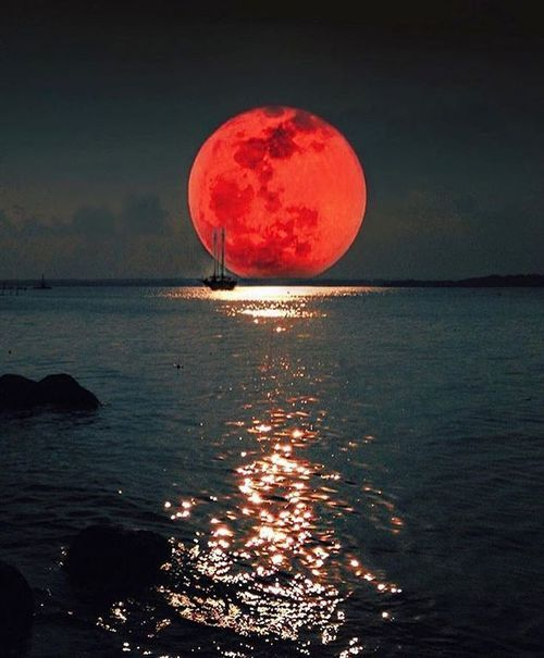 red moon photography - photo #8