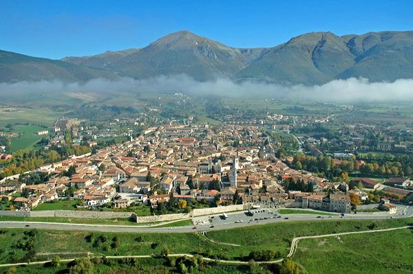 Saint Benedict was born the year 480 to a Roman noble in Nursia, modern day Nurcia, Umbria. He studied here for about 20 years, until he left during the year 500. He wanted to live somewhere outside of the bustling life of the city.