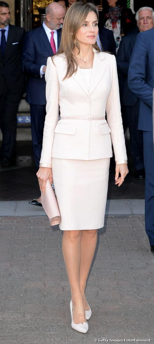 Princess Letizia's classic blush suit. Via @devalera. #suits #PrincessLetizia