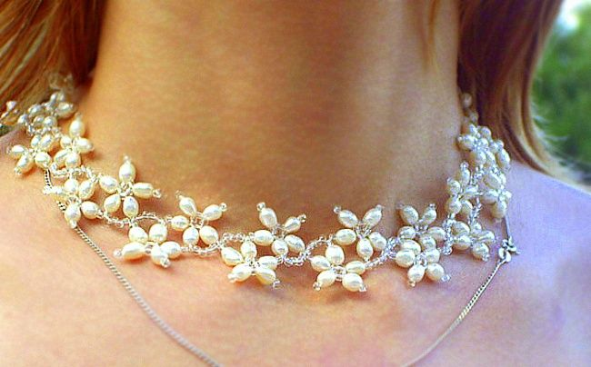 How to make an elegant necklace with your own hands