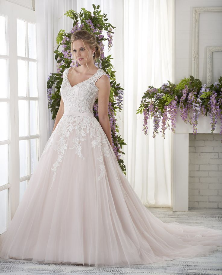 Best 86 Bridal Gowns images on Pinterest | Short wedding gowns ...