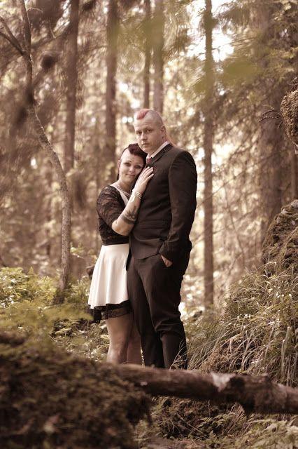 Wedding portrait by Satu Laaninen