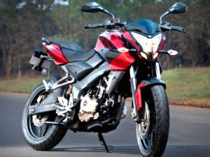 The Bajaj Pulsar 200 NS is the latest hot rod from the Indian company. The new sports bike unveiled in January is expected to be launched in a few day but booking have reportedly been opened in some Bajaj showrooms.