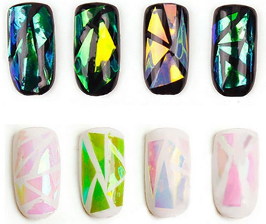 """Foil. Дизайн ногтей с использованием фольги. Такой эффектный и яркий маникюр, как на фото ниже, можно сделать с помощью фольги """"битое стекло"""". Другой вариант украшения ногтков  – использование пайеток, стразов и прочих украшений для ногтей. #tufishop  #nails #manicure #naildecoration"""