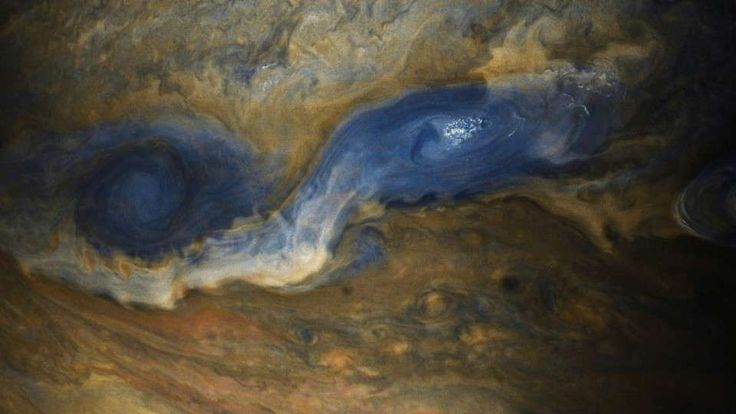 Roll up, roll up. The weekend is nearly here, but before we let you go, you're going to get a cavalcade of glorious Jupiter images as a wonderful treat. Ye