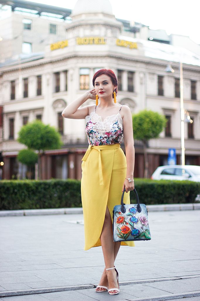Colorful outfit featuring my favorite yellow skirt and a silky top <3