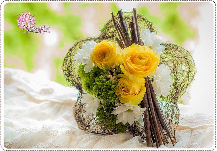 """""""Limoncello"""" Bridesmaid bouquet"""