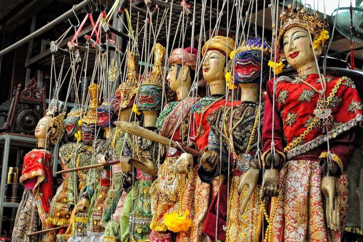 Thai puppets at Chatuchak weekend market, Bangkok ...