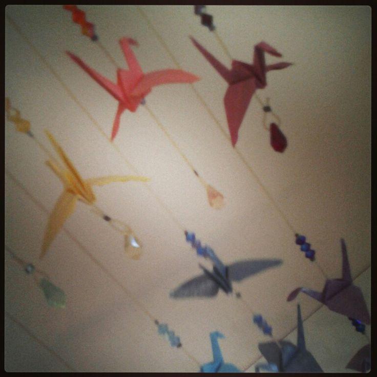 Mobile origami arco iris detalhe. Cristais swarovsky
