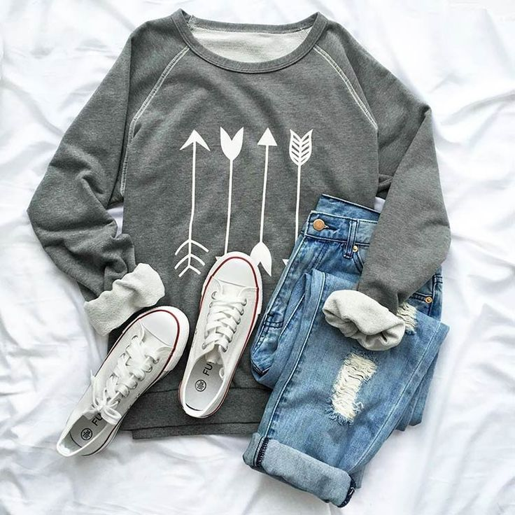 Cupshe Say Yes to the Arrow sweatshirt, cuffed boyfriends, and converse