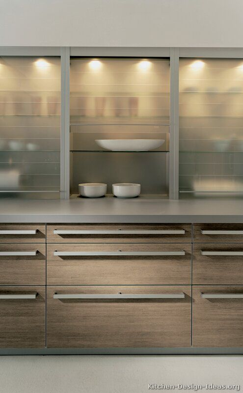 Modern Light Wood Kitchen Cabinets  #03 (Alno.com, Kitchen-Design-Ideas.org)