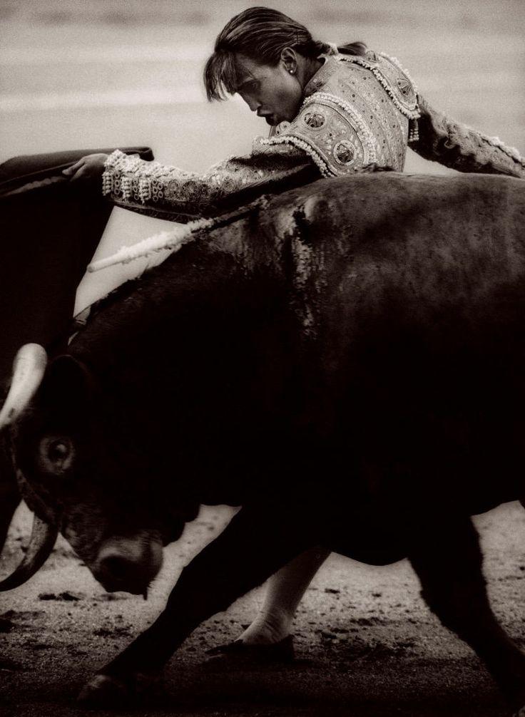 Cristina Sanchez, Pase de Pecho, Madrid, Spain  Michael Crouser   1995