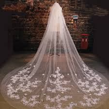 Resultado de imagen para imagenes de velos de novia largos
