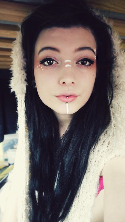 vertical labret and fantastic makeup :3