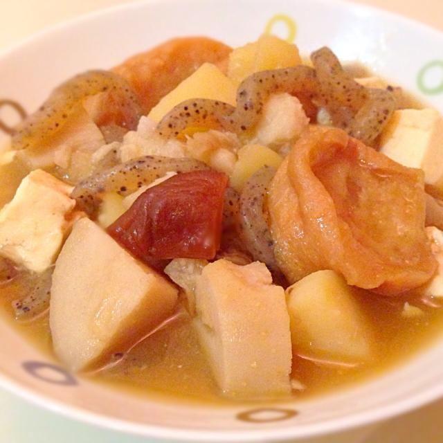 先日のっぺ 汁作った時に、あやちゃんが宮城にも似たような  おくずかけっていうのがあるよと  教えてくれたので、早速作りました  こちらはジャガイモも入っていて…
