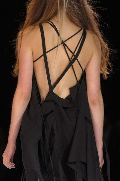 Yohji Yamamoto Spring 2013 - if I were going to the Oscars....this would be my getup.