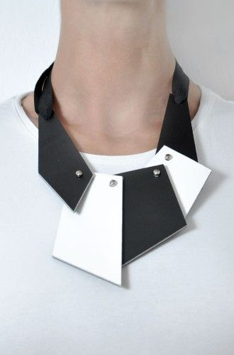 Aumorfia | puzzle | leather necklace