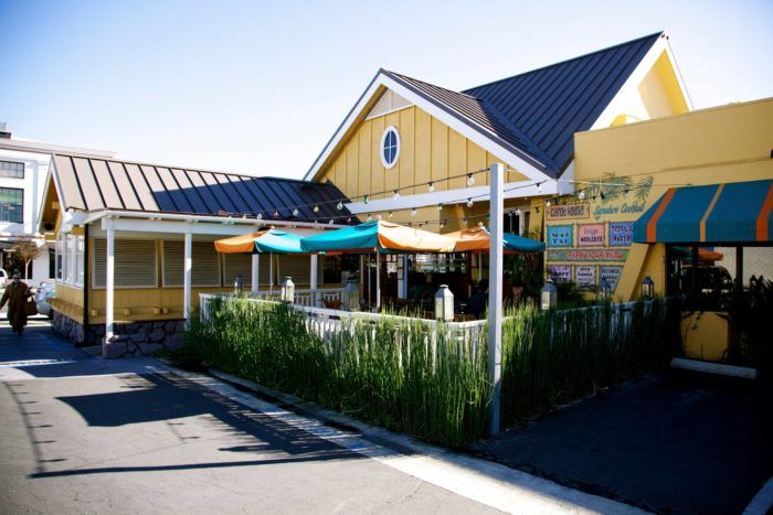 This Hawaiian Themed Restaurant In Southern California Will Transport You Straight To The Islands Hawaiian Restaurant Southern California Restaurant
