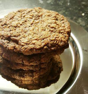 Gluteeniton Herkkutaivas: Suklainen kaurapähkinäpikkuleipä