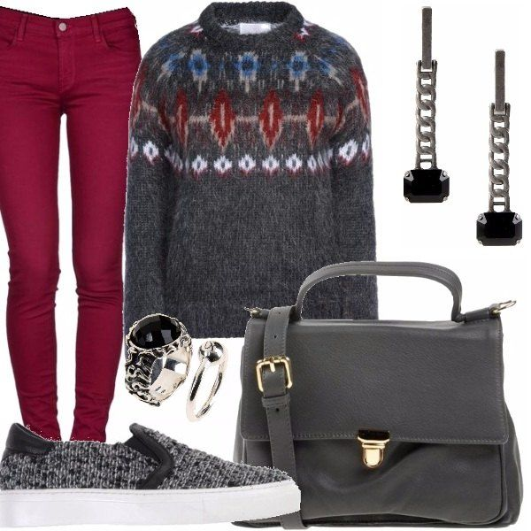 #outfit #bantoa #stellas #kazamiOriginal Jeans skinny in denim bordeaux, maglione in lana con motivo decorativo, slipers in tessuto con para in gomma, borsa grigia con manico e tracolla, orecchini lunghi con pietra nera, anelli con pietra nera