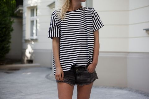 STRIPED T-SHIRT WITH OPEN BACK <3 we are obsessed with our basics & stripes this summer! Get ready for holiday @ theodderside.com