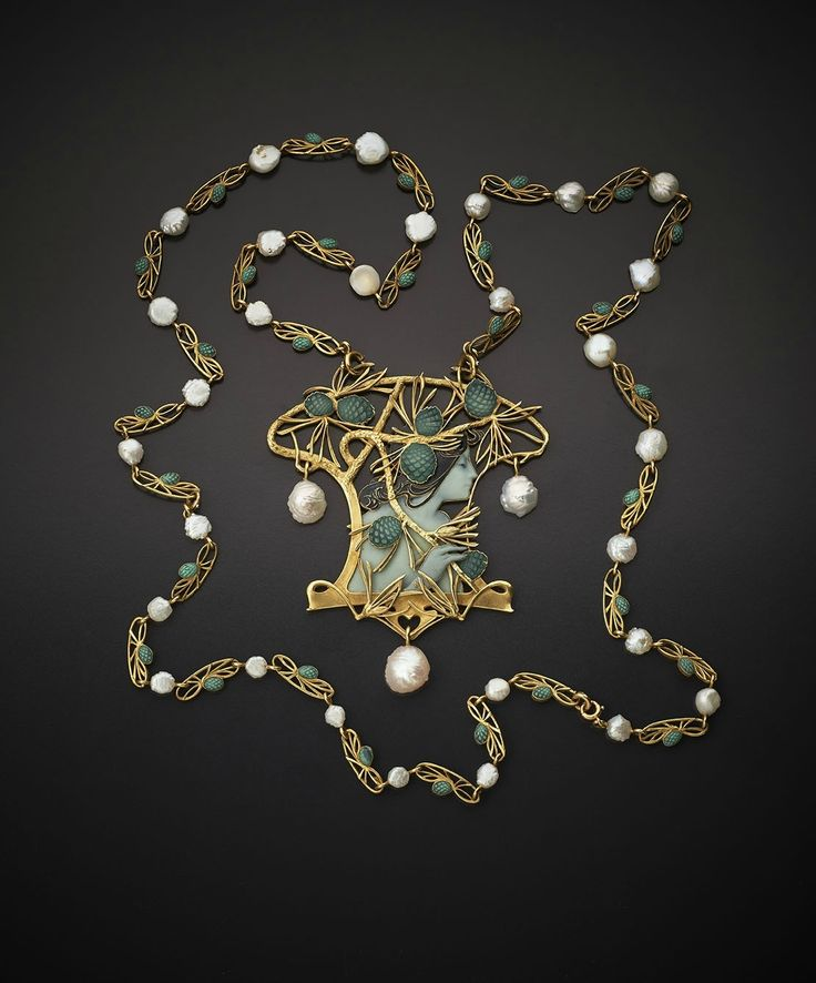 René Lalique (Ay 1860-1945 Paris). Necklace, Paris, circa 1899-1900. Gold, enamel and pearl. © Wartsky art1872017T105150