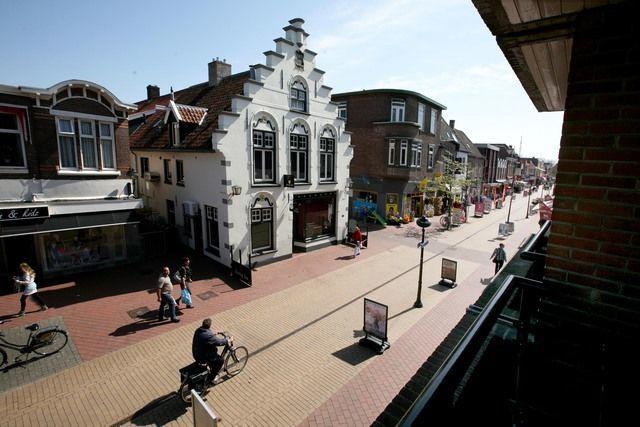 """Friesestraat Coevorden met """"t Geveltje"""